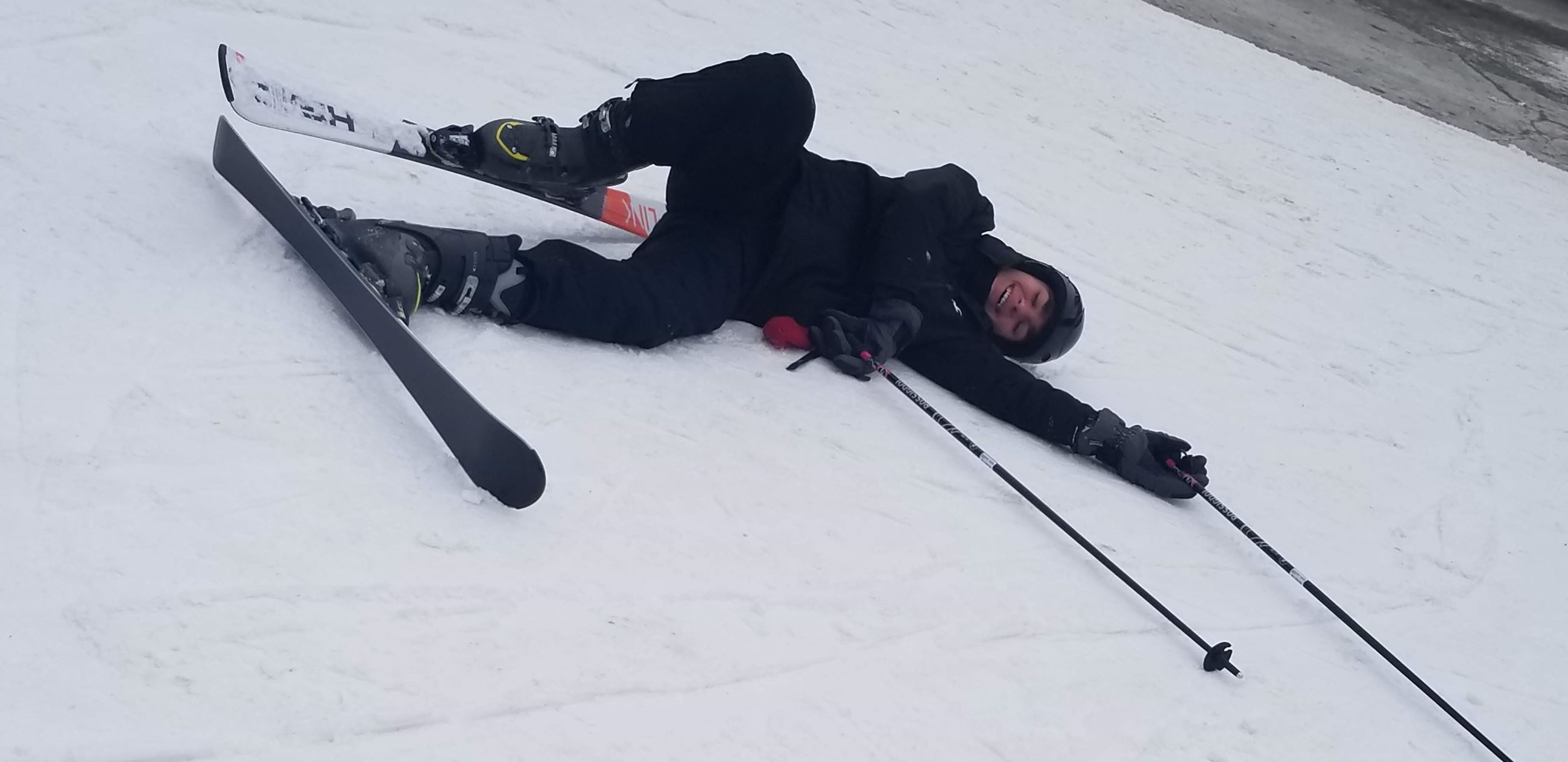 Wipe out on the ski slope